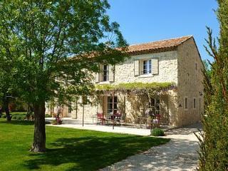 Nice Villa with Internet Access and Balcony - Aix-en-Provence vacation rentals