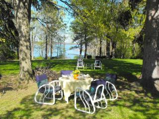 Seneca Lake Wine Trail Getaway/Hot Tub/Pets WF - Dresden vacation rentals