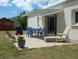 Nice Villa with A/C and Balcony - Medis vacation rentals