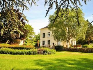 Maisonbourgogne - Saint-Sauveur-en-Puisaye vacation rentals
