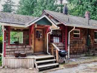 Perfect 1 bedroom Cabin in Index with Deck - Index vacation rentals