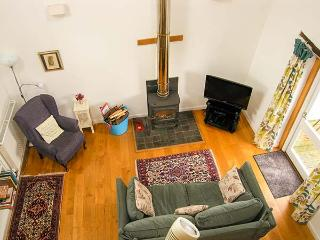 BLUE BARN COTTAGE, pet-friendly romantic retreat in Churchstoke, Ref 22797 - Montgomery vacation rentals