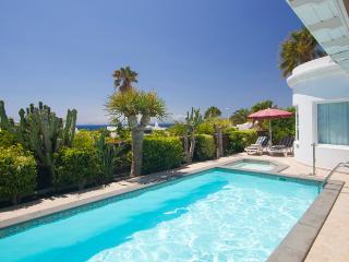 Cozy 3 bedroom Villa in Puerto Del Carmen with Microwave - Puerto Del Carmen vacation rentals