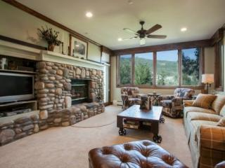 Ski In Ski Out Highlands Lodge in Beaver Creek~ Hot Tubs and Pool~ Ease, Beauty & Convenience!! - Beaver Creek vacation rentals