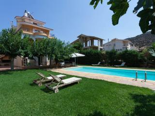 Fabulous Villa Anavyssos swimming Pool - Anavyssos vacation rentals