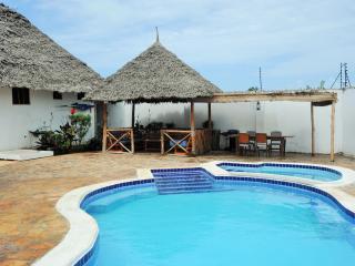 Perfect 3 bedroom House in Kiwengwa - Kiwengwa vacation rentals