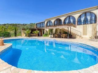 Bright 6 bedroom Villa in El Burgo - El Burgo vacation rentals
