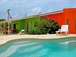 Tropical apartments surrounding a pool in Bonaire, - Kralendijk vacation rentals