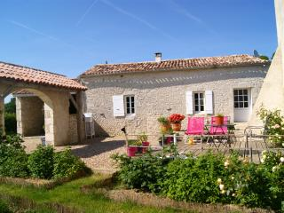Nice Cottage with Internet Access and DVD Player - Riocaud vacation rentals