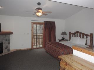 2 bedroom Townhouse with Deck in Utica - Utica vacation rentals