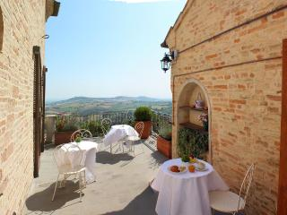 Nice Bed and Breakfast with A/C and Television - Montelupone vacation rentals