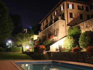 2 Bed Salò Holiday Apartment with shared pool - Salò vacation rentals