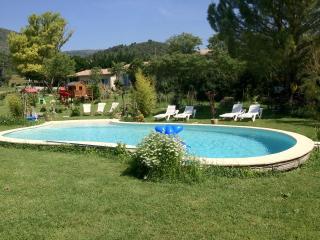 gite t2 meubles en campagne avec piscine - Manosque vacation rentals