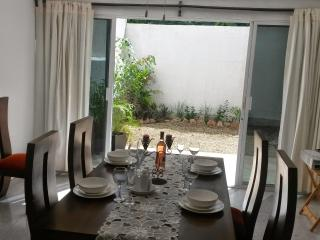 3 bed house in centric location - Merida vacation rentals