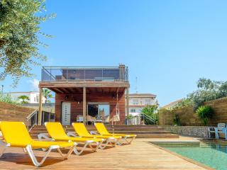 Villa Fernando - Pineda de Mar vacation rentals