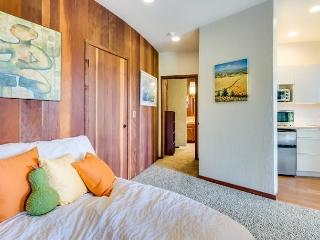 STUDIO AVAILABLE FURNISHED OR UNFURNISHED INCLUDES HILL AND BAY VIEWS - Portola Valley vacation rentals