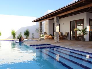 Casa Moderna 3 suites piscina e banheira privada - Touros vacation rentals
