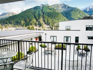 The Glebe Queenstown - 3 BR Apt Mountain View - 2 - Queenstown vacation rentals