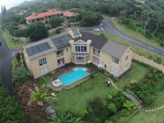 Bright 4 bedroom Port Shepstone Apartment with Internet Access - Port Shepstone vacation rentals