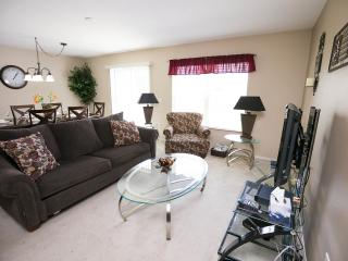 Luxurious Compass Bay Condo Privacy & Rest.599$p/w - Kissimmee vacation rentals