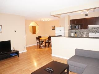 2 BR Condo Next to Downtown and LRT in SW - Calgary vacation rentals