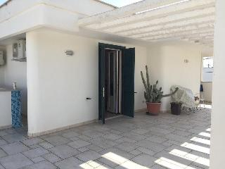 Romantic 1 bedroom Townhouse in Torre Santa Sabina with Deck - Torre Santa Sabina vacation rentals