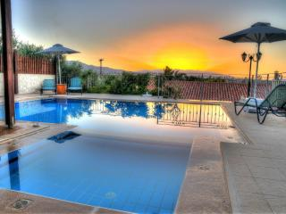 Eros villa, with pool short drive to the beach - Asteri vacation rentals