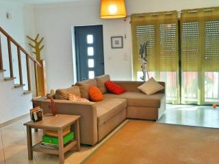Casa Violeta - Helena Vieira Alves - Longueira vacation rentals