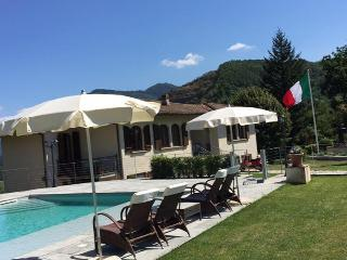 Beautiful Villa Adriano 15 min drive from Lucca ! - Lucca vacation rentals