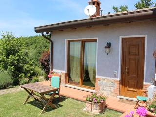Cozy 2 bedroom Lisciano Niccone Townhouse with Internet Access - Lisciano Niccone vacation rentals