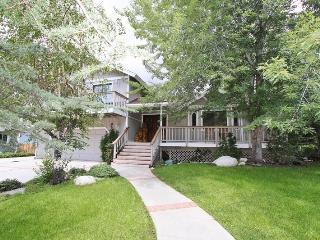 Big Bear Secret: Walk to the Lake! Pool Table! - City of Big Bear Lake vacation rentals