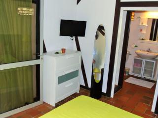 Bright 2 bedroom Sainte Anne Bungalow with Internet Access - Sainte Anne vacation rentals