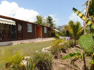 Bright 2 bedroom Sainte Anne Bungalow with Internet Access - Sainte Anne vacation rentals