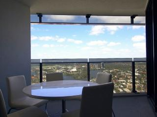 Nice Condo with Dishwasher and Hair Dryer - Surfers Paradise vacation rentals