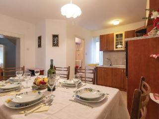 Villa Vickovi,5+1 persons,with pool - Rakalj vacation rentals