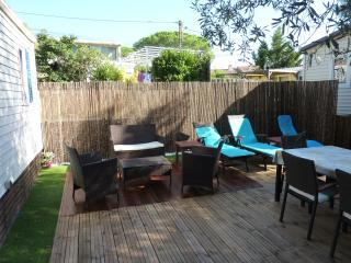 Nice Bungalow with Internet Access and A/C - Puget-sur-Argens vacation rentals