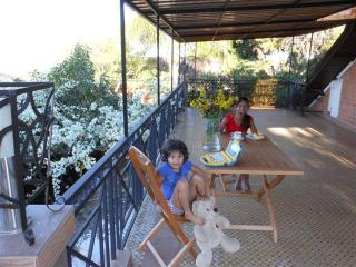 2-p Chambre terrasse grande vue JASMIN à Villa V - Antananarivo vacation rentals