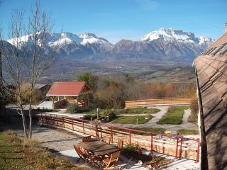 Bright 4 bedroom Bed and Breakfast in Saint-Bonnet en Champsaur - Saint-Bonnet en Champsaur vacation rentals