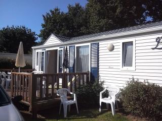 Cozy 2 bedroom Caravan/mobile home in Beg-Meil - Beg-Meil vacation rentals