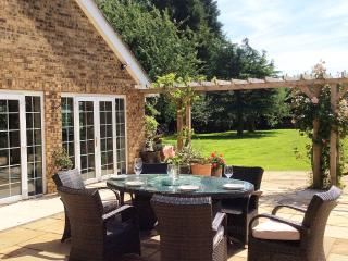Luxury Rutland House. 6 Bedrooms/Pool/Cinema room - Uppingham vacation rentals