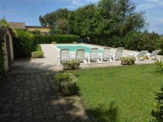 Grazioso appartamento in villa - Rosignano Solvay vacation rentals