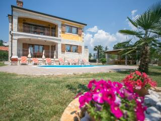 "Sunny Holidayshouse""Nevena with swimmingpool POREČ - Porec vacation rentals"