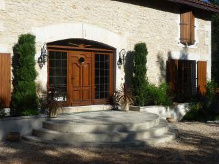 Lovely 1 bedroom Chasseneuil-sur-Bonnieure Watermill with Internet Access - Chasseneuil-sur-Bonnieure vacation rentals