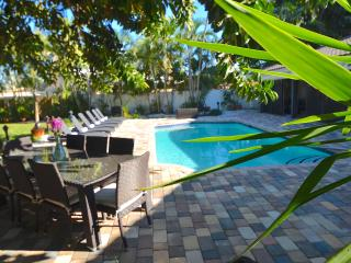 LUXE UPDATED 4 BD WATERFRONT HTD POOL MNS 2 BEACH! - Fort Lauderdale vacation rentals