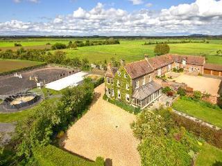 Bowers Hill Farm Bed & Breakfast - Broadwas vacation rentals