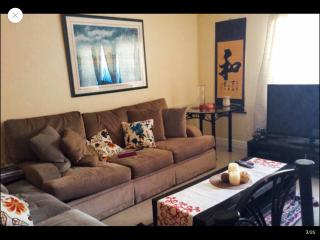 Spacious apartment 35 minutes from the beach - Kendall vacation rentals