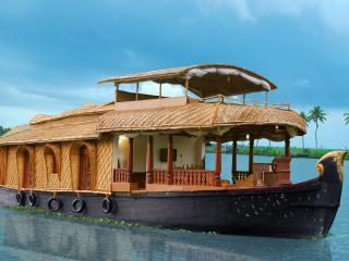 Travenz Two bedroom Houseboat with Balcony - Alappuzha vacation rentals