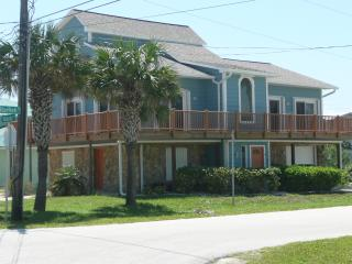 New Smyrna Beach 3 Story, 5 Bedr, Steps from Ocean - New Smyrna Beach vacation rentals