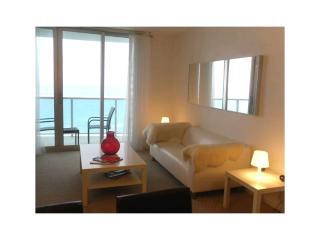 Miami - Premium Vacation Rental - 6 Guests - 2BR - Hollywood vacation rentals