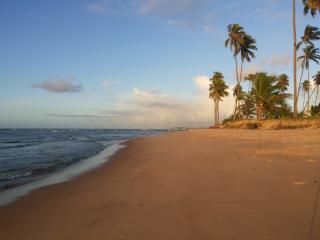 Condominio Residencial Paraíso dos Corais - HIRATA - Guarajuba vacation rentals
